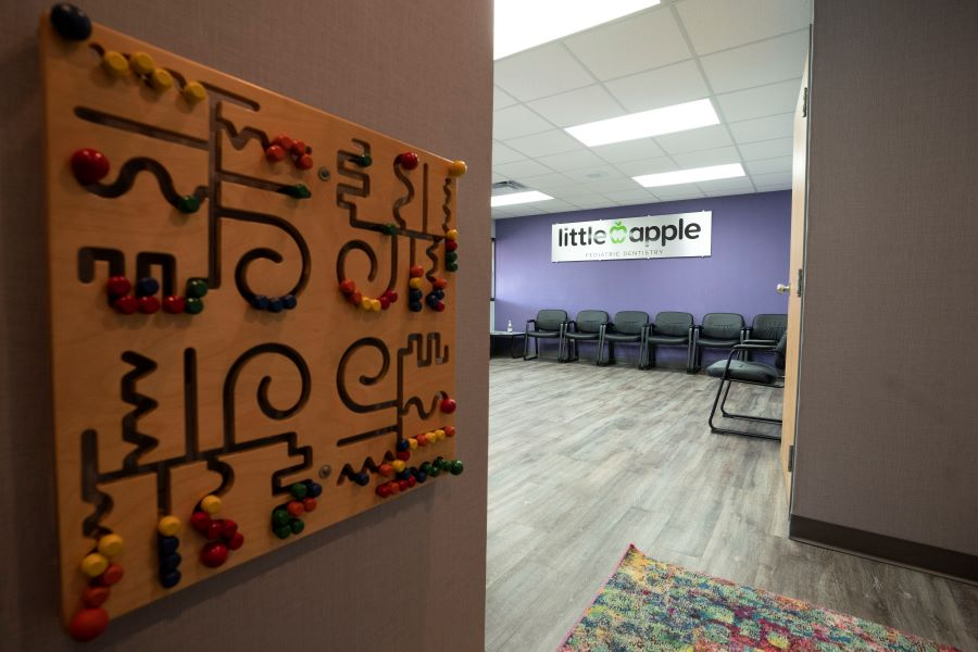 Wall puzzle Little Apple Pediatric Dentistry